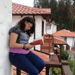 leyendo en mi balcón